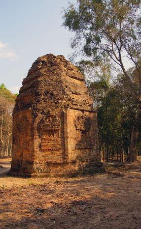 octogonal: Octagonal Shiva templo, Sambor Pre Kuk, Camboya Foto de archivo