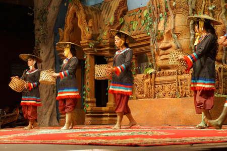 SIEM REAP, CAMBODIA - FEB 14, 2015 - Traditional Cambodian basket dance from rural village, Banteay Srei Cambodia Редакционное