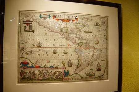 ASTORIA, OREGON - OCT 1, 2015 - Antique map of North and South America,  Columbia River Maritime Museum  Astoria, Oregon Publikacyjne