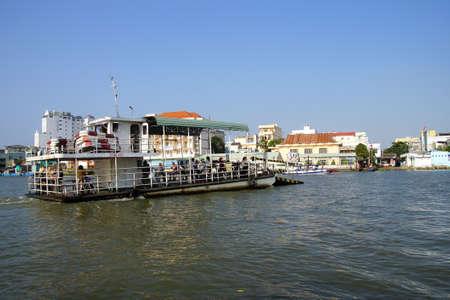 cai rang: CAI RANG, VIETNAM - FEB 7, 2015 - Passenger ferry across the Mekong River,  Vietnam