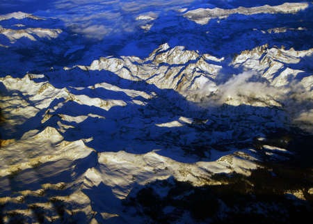 sierra nevada mountains: Sierra Nevada mountains with fresh snow,California