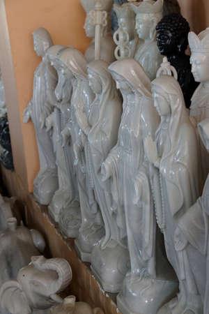 ダナン, ベトナム - 2015 年 2 月 4 日 - 大理石のダナン、ベトナム、聖母マリアの彫像 報道画像