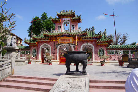 assembly hall: HOI AN, VIETNAM - FEB 3, 2015 - Detail of  Fukian Assembly Hall, Hoi An, Vietnam