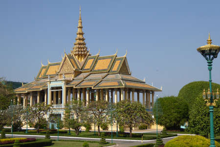 penh: PHNOM PENH, CAMBODIA - FEB 8, 2015 -  Buddhist temple  at the National Palace,  Phnom Penh,   Cambodia Editorial
