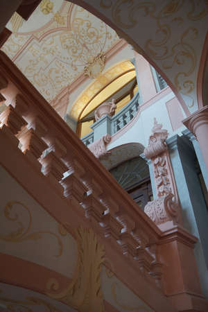 MELK, AUSTRIA - SEP 7, 2016 - Interior staircase and baroque ceiling decoration of Stift Melk Abbey, Austria Редакционное