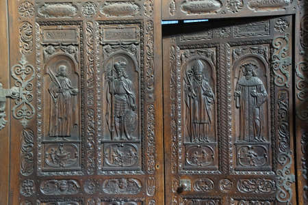 vitus: PRAGUE - SEP 1 , 2016 - Carved wooden doors of  St Vitus Cathedral,  Prague, Czech Republic