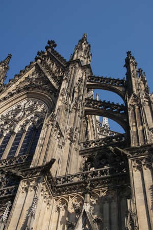 KÖLN, DEUTSCHLAND - 15. September 2016 - Flying Strebepfeilern der Dom St. Peter, Köln, Deutschland