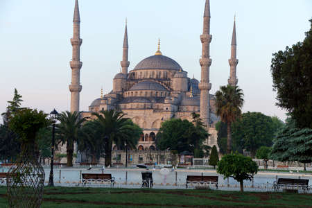 Early morning light on  Sultan Ahmet Camii ( Blue Mosque ) in Istanbul, Turkey Banco de Imagens