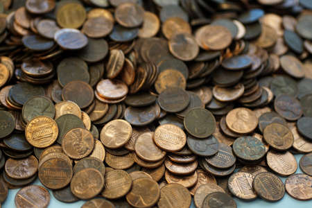 Hoard of pennies close up Imagens