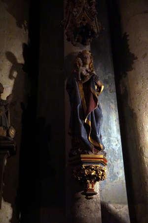 サン ・ ピエトロ大聖堂、ドイツのケルンのケルン, ドイツ - 915、2016 - 彫像
