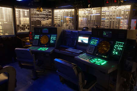 SAN DIEGO, CALIFORNIA - DEC 1, 2017 - Radar tracking and detection stations aboard the USS Midway CV-41 Aircraft Carrier, San Diego, California 報道画像