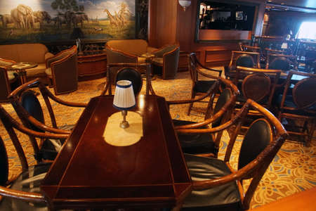 PACIFIC OCEAN - DEC 6, 2017 - Specialty bar seating on a cruise ship, eastern Pacific Ocean 新聞圖片