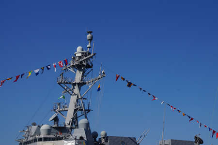 SEATTLE - AUG 4, 2016 - Bridge and signal flags of the USS Gridley  (DDG 101) guided missle destroyer, docked in Seattle for Fleet Week Redactioneel