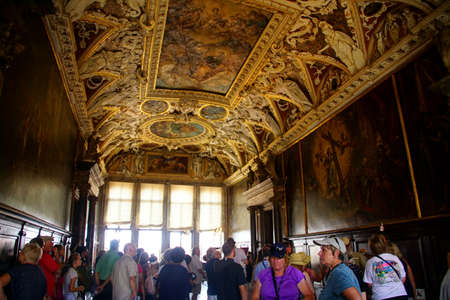 VENICE, ITALY - AUG 13, 2018 - Elaborate gilded decorations of ceiling in the Doges Palace in Venice, Italy 에디토리얼