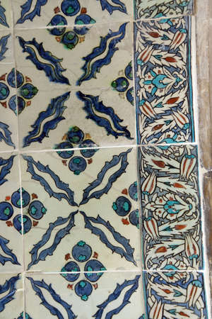 ISTANBUL, TURKEY  - MAY 18, 2014 - Elaborate Iznik mosaic tile work of the Harem  in Topkapi Palace,  in Istanbul, Turkey 에디토리얼