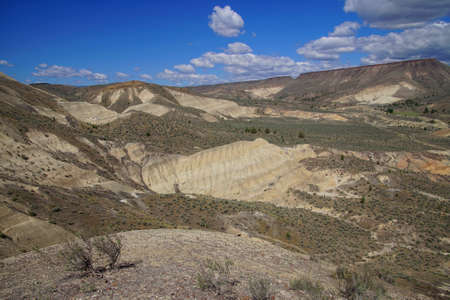 Erosion reveals ignimbrite volcanic ash deposits in central Oregon Imagens