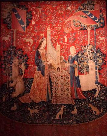 PARIS - DEC 7, 2018 - Lady and the Unicorn tapestry in the Cluny Museum de Moyen Age, Paris, France Foto de archivo - 114310748