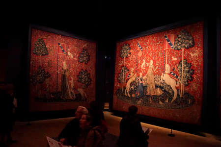 PARIS - DEC 7, 2018 - Lady and the Unicorn tapestry in the Cluny Museum de Moyen Age, Paris, France 写真素材 - 115436722