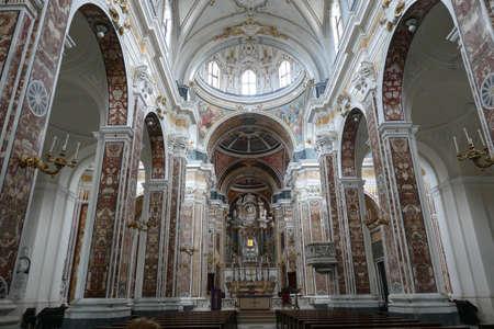 MONOPOLI, ITALY - APR 11, 2019 -Marble inlays of the Basilica Cathedral della Madonna della Madia, Monopoli, Puglia, Italy Фото со стока - 122540804