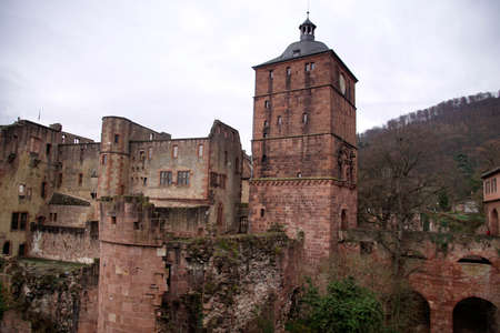 Renaissance ruins of the tower and moat of Heidelberg castle, on the hill above Heidelberg, Germany Foto de archivo