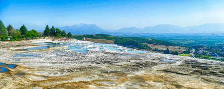 Calcium deposits  on travertine turquoise  terraced pools at  Pamukkale,  Turkey 스톡 콘텐츠