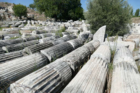 Ionic  columns recovered by archaeologists at  Aphrodisias,  Turkey Archivio Fotografico - 132319590