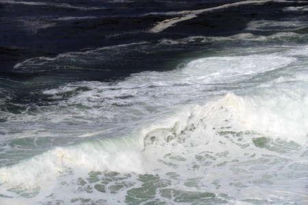 Heavy seas crash on rocks of Boiler Bay, Oregon coast 版權商用圖片