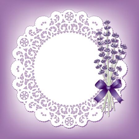 festonati: Pizzo Vintage centrino con dolce lavanda bouquet di fiori, copia spazio, sfondo viola