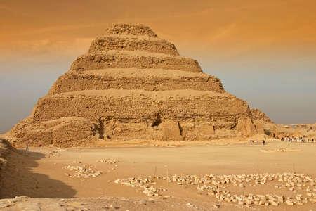 Step Pyramid of King Zoser Фото со стока - 3335120