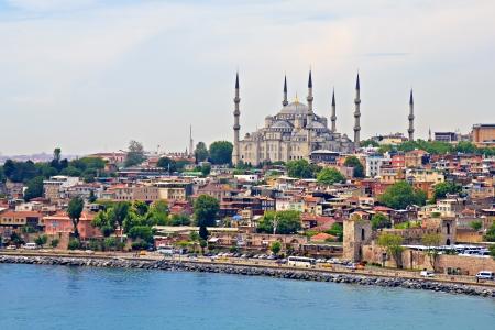 Mosquée bleue d'Istanbul, vue de Bosphore détroit Banque d'images