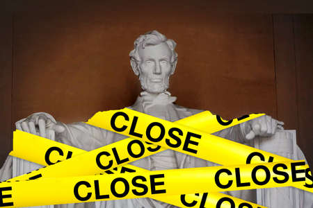 Government shutdown Abraham lincoln statue