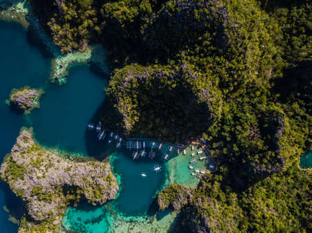Lagoons in coron Philippines Фото со стока - 115017446