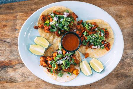 A plate of tacos and tortilla snacks Zdjęcie Seryjne