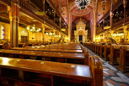 synagogue: Synagogue in Budapest indoor