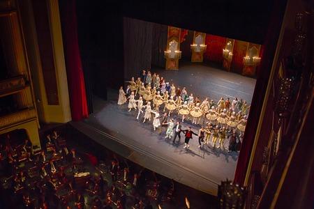 ウィーン州立歌劇場、オーストリア、エディトリアル写真のステージ