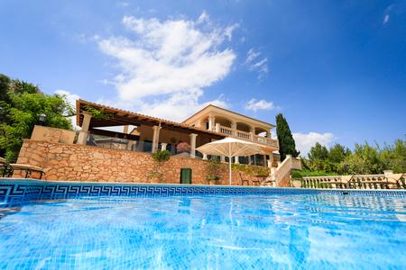 La maison espagnole privée en été