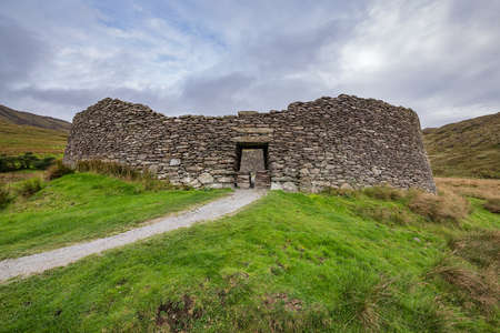 Staigue fort. A ruined stone ringfort three miles west of Sneem in Ireland 版權商用圖片
