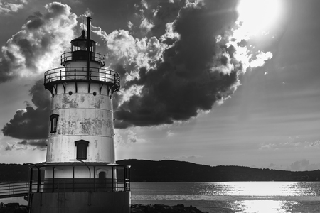 Sleepy Hollow Lighthouse with some dramatic clouds in the sky on a beautiful sunny day, in black and white, Sleepy Hollow, Upstate New York, NY, USA Stok Fotoğraf