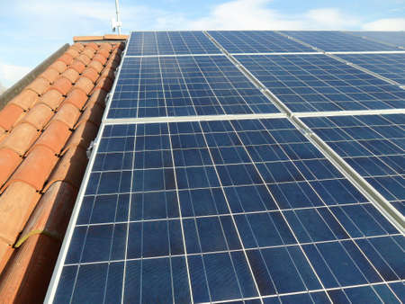 solarpanel: Photovoltaic system on a roof