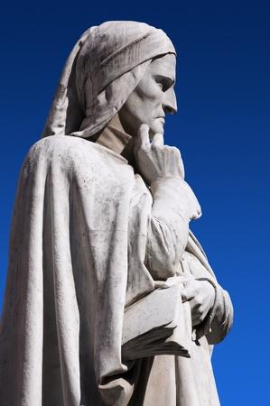 Photo of a detail of the statue of Dante in Verona Italy Archivio Fotografico