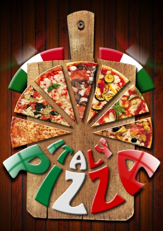 italienisches essen: Pizza Slices auf dem alten Schneidebrett und schriftliche Italien Pizza