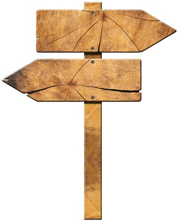 Houten directionele bord met twee lege pijlen in tegenovergestelde richting op een witte achtergrond