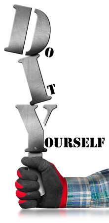 Main avec gant de travail tenant un signe métallique avec le texte Diy Do it yourself. Isolé sur fond blanc Banque d'images - 46017148