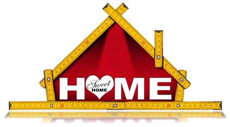 herramientas de construccion: Regla de madera con forma de casa con el texto Hogar, dulce hogar, aislado en fondo blanco