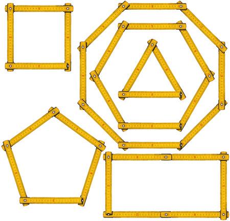 objetos cuadrados: Colección de formas geométricas básicas con regla de madera, triángulo, rectángulo, cuadrado, pentágono, hexágono y octágono. Aislado en el fondo blanco Foto de archivo