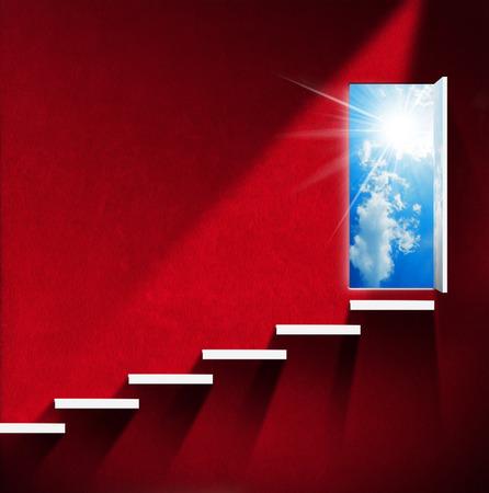 붉은 벽과 흰색 계단, 푸른 하늘, 구름, 태양 광선 문을 열고 방. 천국과 지옥의 개념