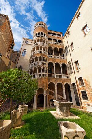 stair well: The Scala Contarini del Bovolo of Contarini Palace in the city of Venezia, Veneto, Italy Editorial