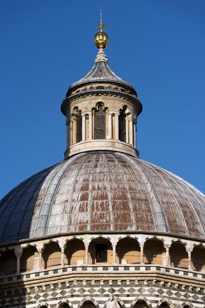 Dome of the Siena Cathedral (Santa Maria Assunta) 1220-1370. Toscana (Tuscany), Italy, Europe Stock Photo