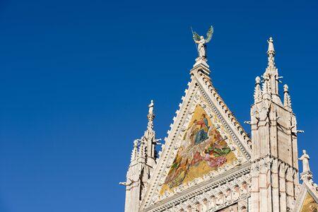 Detail of the facade of the Siena Cathedral (Santa Maria Assunta) 1220-1370. Toscana (Tuscany), Italy, Europe