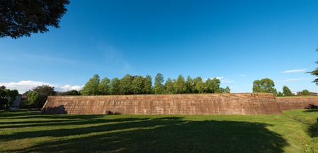 The ancient fortified walls of the city of Lucca, Toscana (Tuscany), Italy, Europe